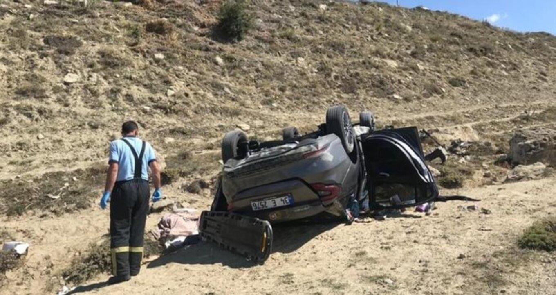 Sivas'ta çarpışan otomobiller şarampole yuvarlandı: 2 yaralı