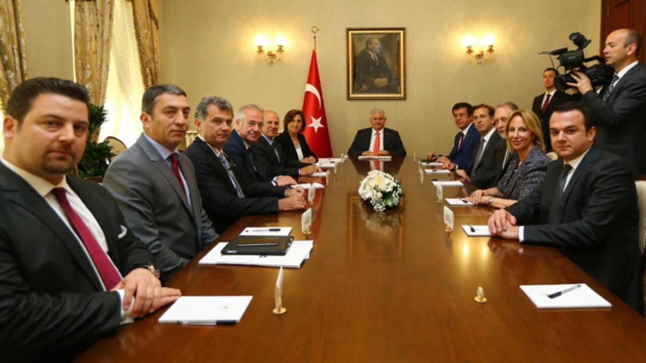 Binali Yıldırım TUSİAD Başkanı ve yönetim kuruluyla bir araya geldi
