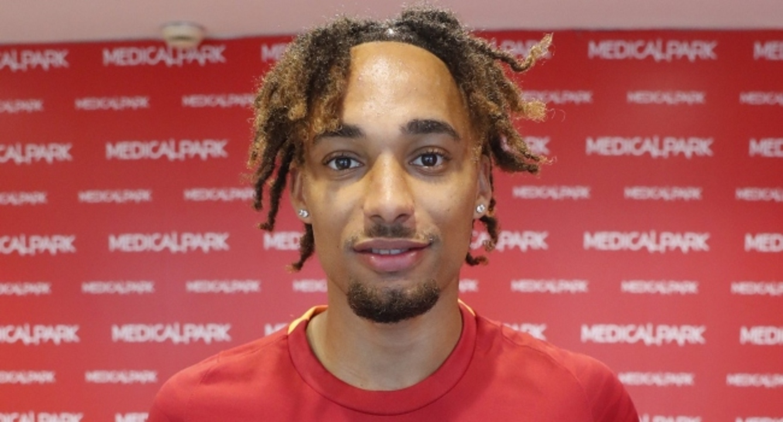 Galatasaray'ın yeni sağ beki Sacha Boey sağlık kontrolünden geçti