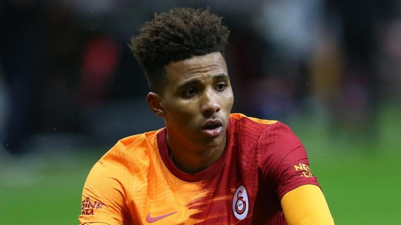 Galatasaray devre arasında iki yıldızı getiriyor
